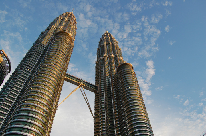 Petronas_Towers_by_Day