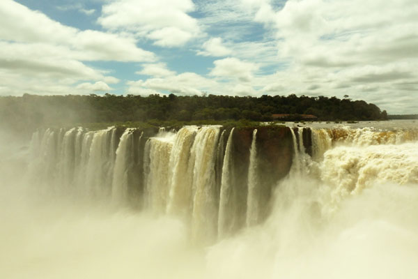 Luxury-Casino-Hotels---Iguazu-Falls,-Argentina
