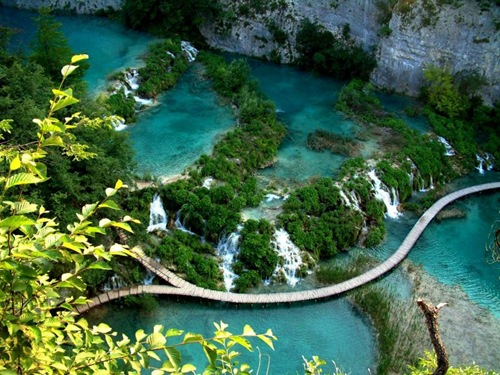 Waterfall Resorts