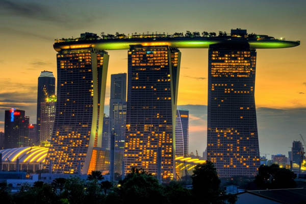 Luxurious-Marina-Bay-Sands-03
