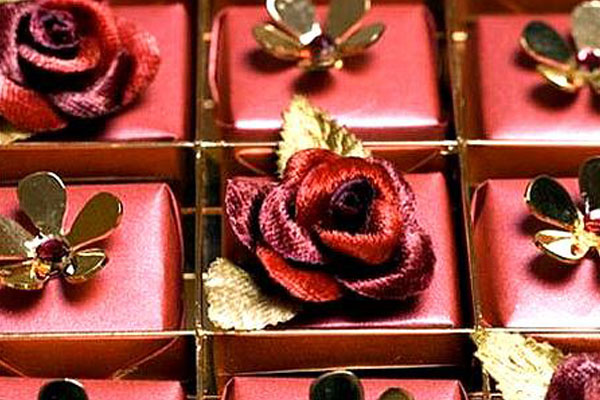 Swarovski-studded-chocolates-by-Harrods-most-expensive-chocolates-1