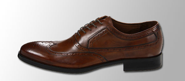 lace-up-cap-toe-shoes-with-wing-tips